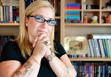 Polisiye Yazarı Ayşe Erbulak Kimdir