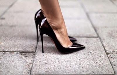 Kadınlar neden topuklu ayakkabı giyer?